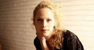Έλλη Τρίγγου: Σε τριπλό ταμπλό η δημοφιλής ηθοποιός