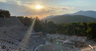 Είδαμε τους «Πέρσες» του Αισχύλου στο Αρχαίο Θέατρο Επιδαύρου