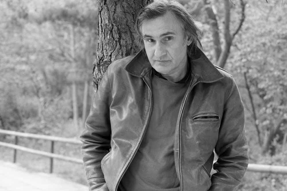 Άκης Σακελλαρίου συνέντευξη στο Youfly.com