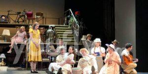 Σκηνή από την πρεμιέρα της παράστασης Το Τρίτο Στεφάνι