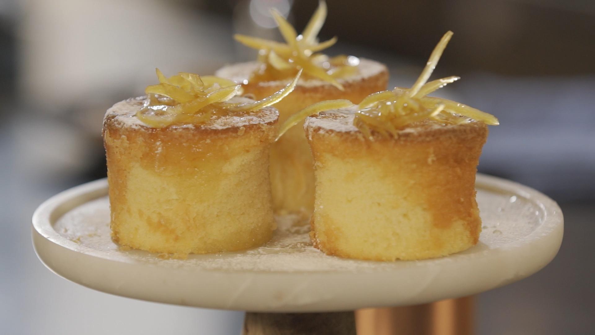 κεικ λεμονιού με sour cream