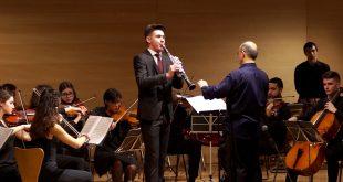 Ο 20χρονος Μάριος Ρούσκα είναι μέλος της Νεανικής Συμφωνικής Ορχήστρας εδώ και πέντε χρόνια και σε λίγες ημέρες θα εμφανιστεί στο Μέγαρο Μουσικής Αθηνών.