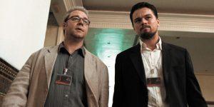 Οι ηθοποιοί Russell Crowe και Leonardo DiCaprio σε σκηνή της ταινίας Η Πλεκτάνη
