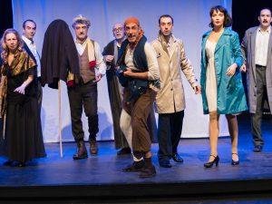 Μεθυσμένη Πολιτεία - η προβολή της θεατρικής παράστασης διαθέσιμη online δωρεάν
