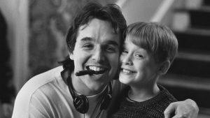 Ο σκηνοθέτης με τον μικρό πρωταγωνιστή του Μόνος στο σπίτι
