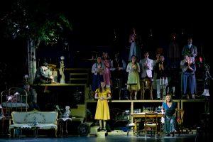 Η Μαρία Κίτσου στη θεατρική παράσταση το Τρίτο Στεφάνι