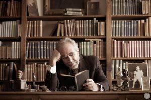 Χειμαρρώδης, σαρωτικός, ακριβής, ο Γρηγόρης Βαλτινός μίλησε στο youfly σε μια συνέντευξη του Παύλου Αγιαννίδη