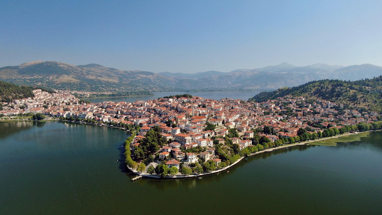 ΣΚΑΪ Happy Traveller Καστοριά - στη φωτογραφια η λιμνη