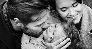 Οικογενιεακές Ιστορίες 7.12 Ποιος είναι ο πατέρας