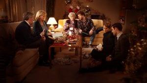 Σκηνή από το Πίσω για τα Χριστούγεννα, από τις καλύτερες ταινίες και σειρές στο Netflix για τα Χριστούγεννα