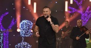 MEGA Πρωτοχρονιά απόσπασμα από την εκπομπή, Αντώνης Ρέμος τραγουδάει