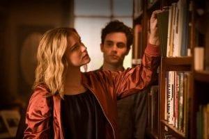 You - σκηνή στην βιβλιοθήκη - ποια σειρά να ξεκινήσεις στο Netflix
