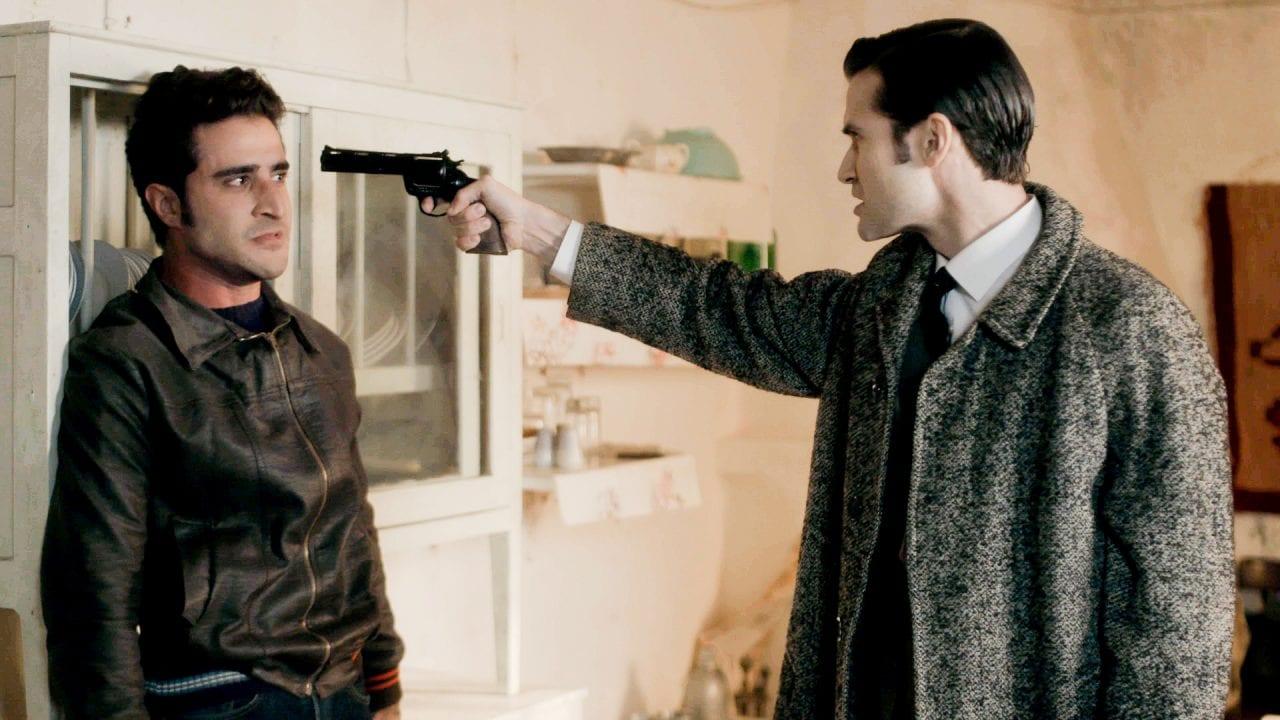 Ο νικηφόρος σημαδεύει με όπλο τον μπάμπη στα επόμενα επεισόδια