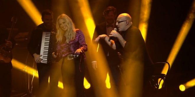 Στιγμιότυπο από συναυλία Άννας Βισση την πρωτοχρονιά