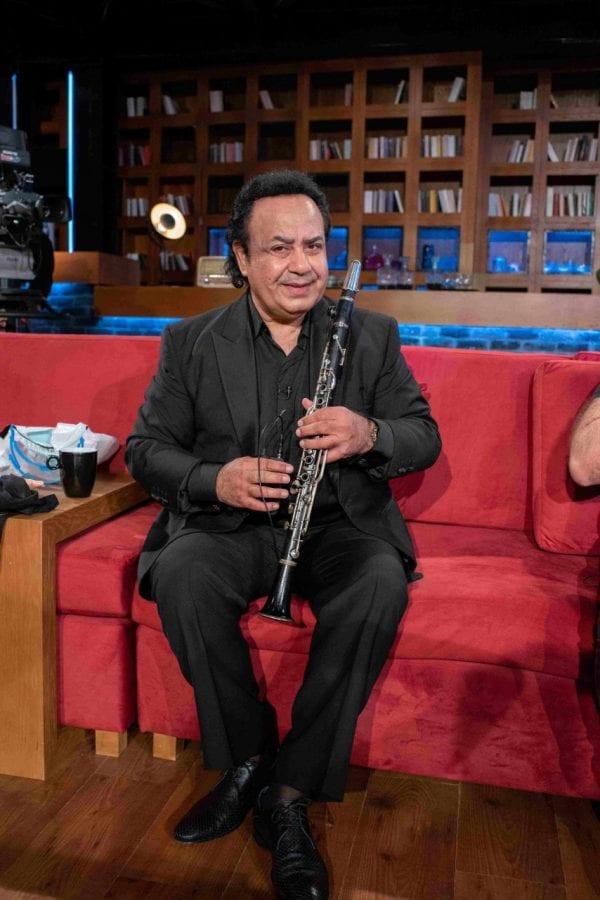 Μουσικός καλεσμένος σε εκπομπή στο MEGA
