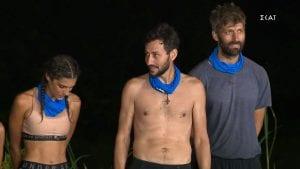 Ο Πάνος Καλίδης χθες στο Survivor με δυο συμπαίκτες