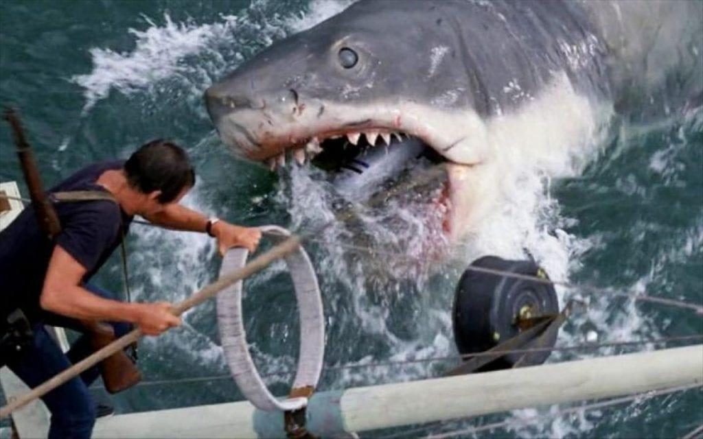 Στα σαγίνια του καρχαρία μια από τις ταινίς με ζώα που θα βρεις στο netflix