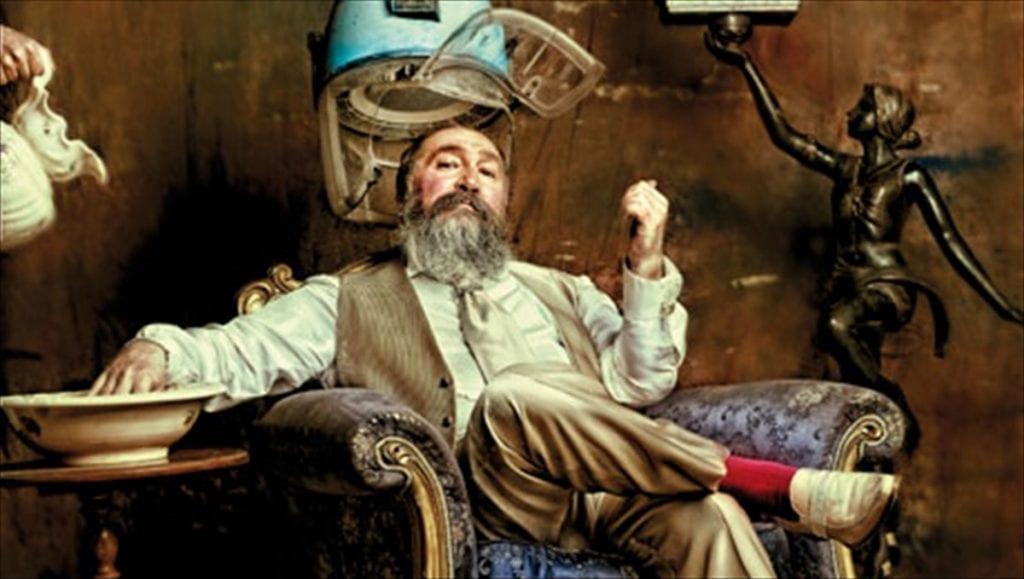 Ο άνθρωπος Τζίμης Πανούσης πίσω από τον καλλιτέχνη