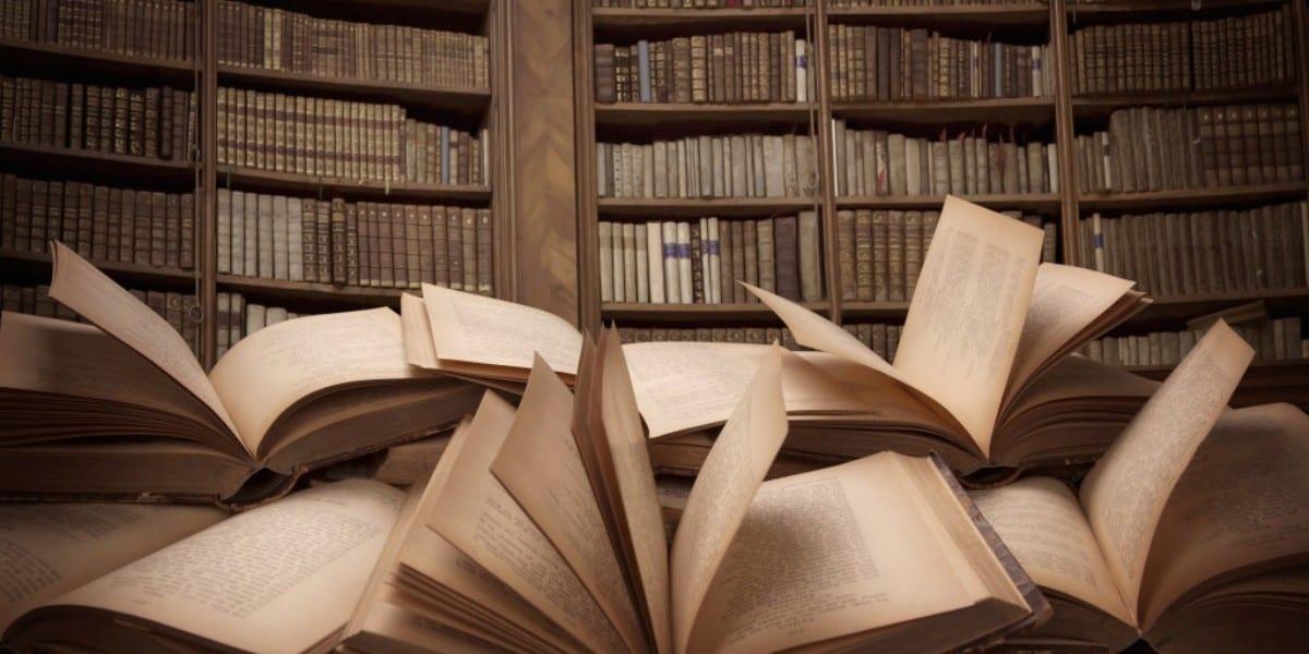 Φωτογραφία με πολλά βιβλία