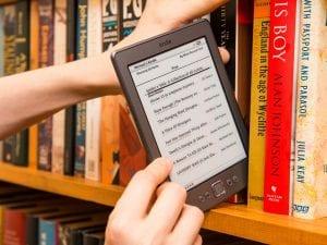 Φωτογραφία με ebooks, που ήταν πολύ δημοφιλή για το 2020
