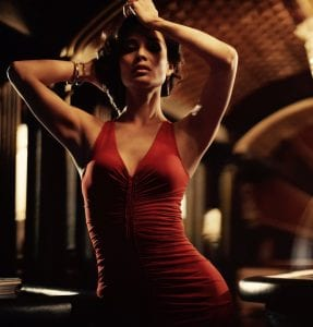Η Berenice Marlohe ποζάρει για την ταινία Skyfall το 2012