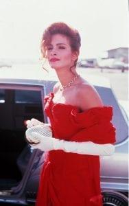 Η Julia Roberts φοράει ένα από τα καλύτερα κόκκινα φορέματα στον κινηματογράφο
