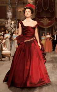 Η Keira Knightley φοράει ένα από τα καλύτερα κόκκινα φορέματα στον κινηματογράφο