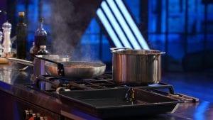 Εικόνα με κατσαρόλα στην κουζίνα του MasterChef 5
