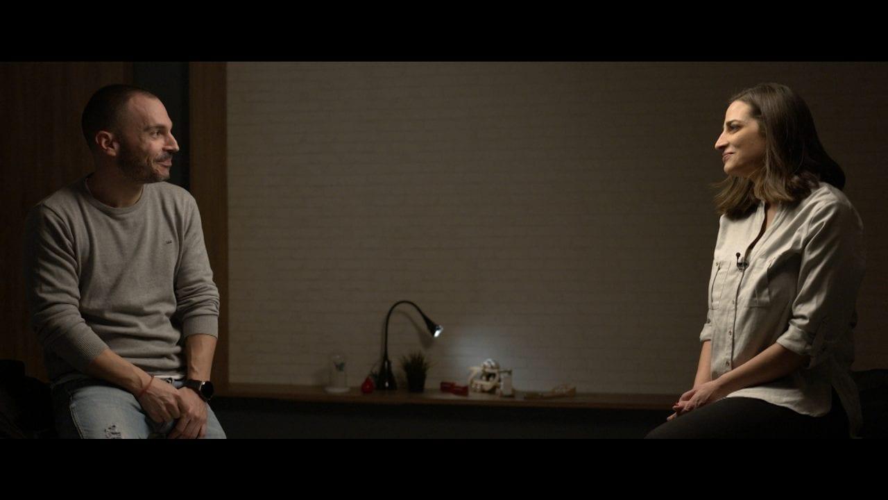 Ο Νίκος Κανέλλης μιλά με τη Δωρα Αναγνωστοπουλου