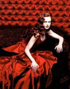 Η Nicole Kidman φοράει ένα από τα καλύτερα κόκκινα φορέματα στον κινηματογράφο και το Moulin Rouse