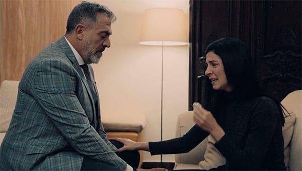 Ο Μιλτιάδης και η Κατερίνα σε σκηνή από το Νέο επεισόδιο στις 23/2 στη σειρά 8 Λέξεις