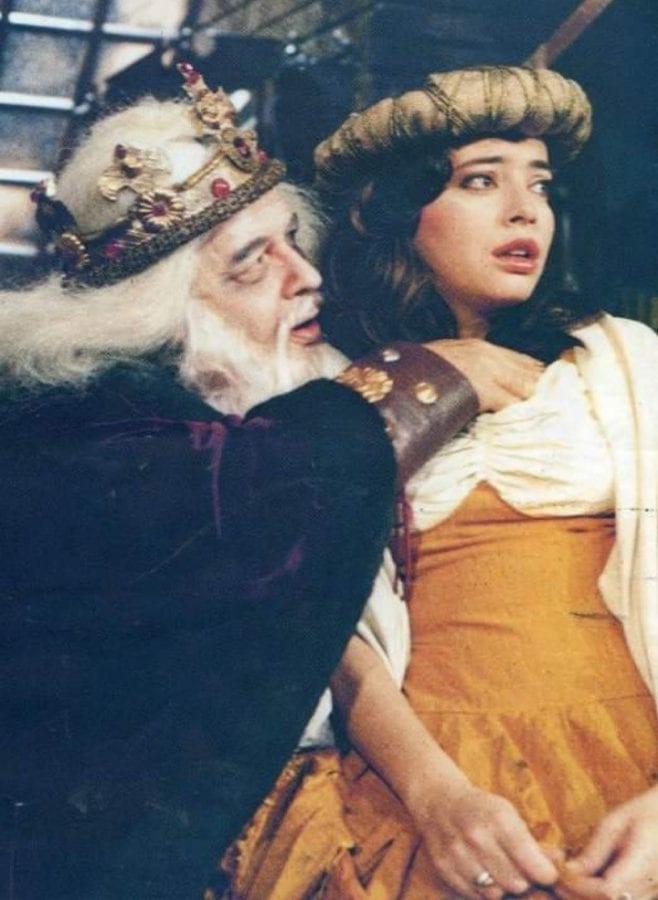 Ο Παπαμιχαήλ σε θεατρική παράσταση ο Αμπιγιέρ