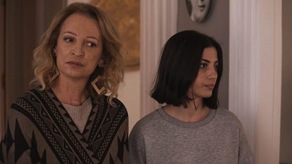 Η Λουκία Πιστιόλα σε σκηνή από τα νέα επεισόδια 25-27 της σειράς Έξαψη