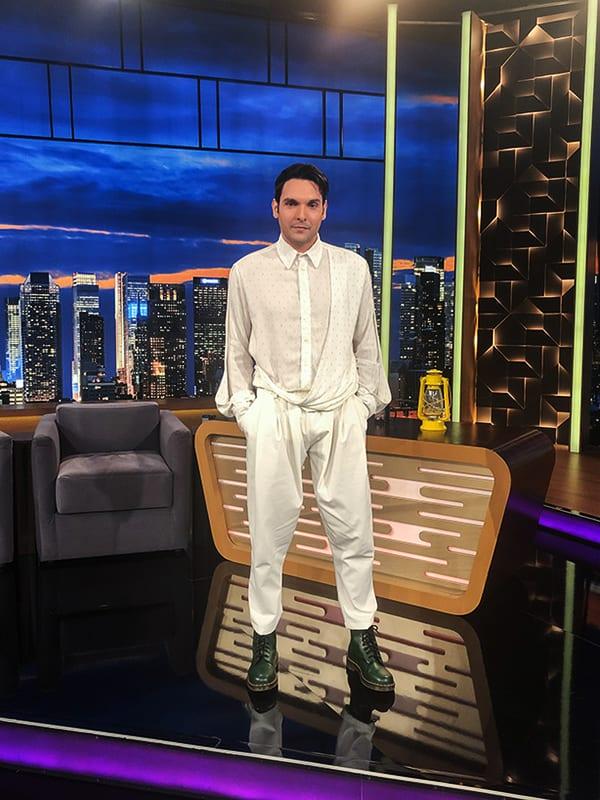 στο The 2Night Show εκτός από την Κωνσταντίνα Σπυροπούλου θα είναι και ο Ιωάννης Αθανασόπουλος που βλέπουμε στη φωτογραφία