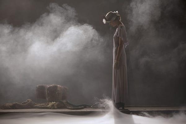 Θέατρο Πορεία θεατρικές παραστάσεις on demand - σκηνή από εργο Η μεγάλη χίμαιρα