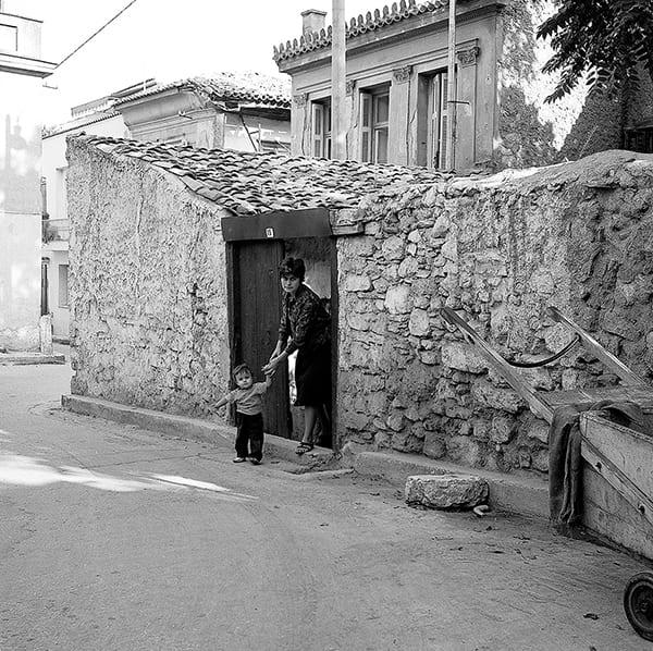 Κατερίνα Ζωιτοπούλου Μαυροκεφαλίδου φωτογραφικό λεύκωμα Αθήνα - φωτογραφία απο τη συλλογή