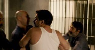 Στα χέρια πιάνεται ο Βόσκαρης με τους συγκρατούμενους