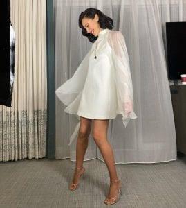 Η εμφάνιση της Gal Gadot στις Χρυσές Σφαίρες με λευκό φόρεμα