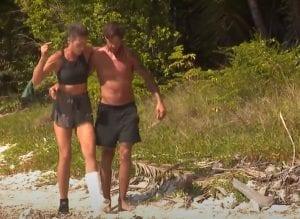 Ο Ηλίας μεταφέρει την Σοφία στο Survivor