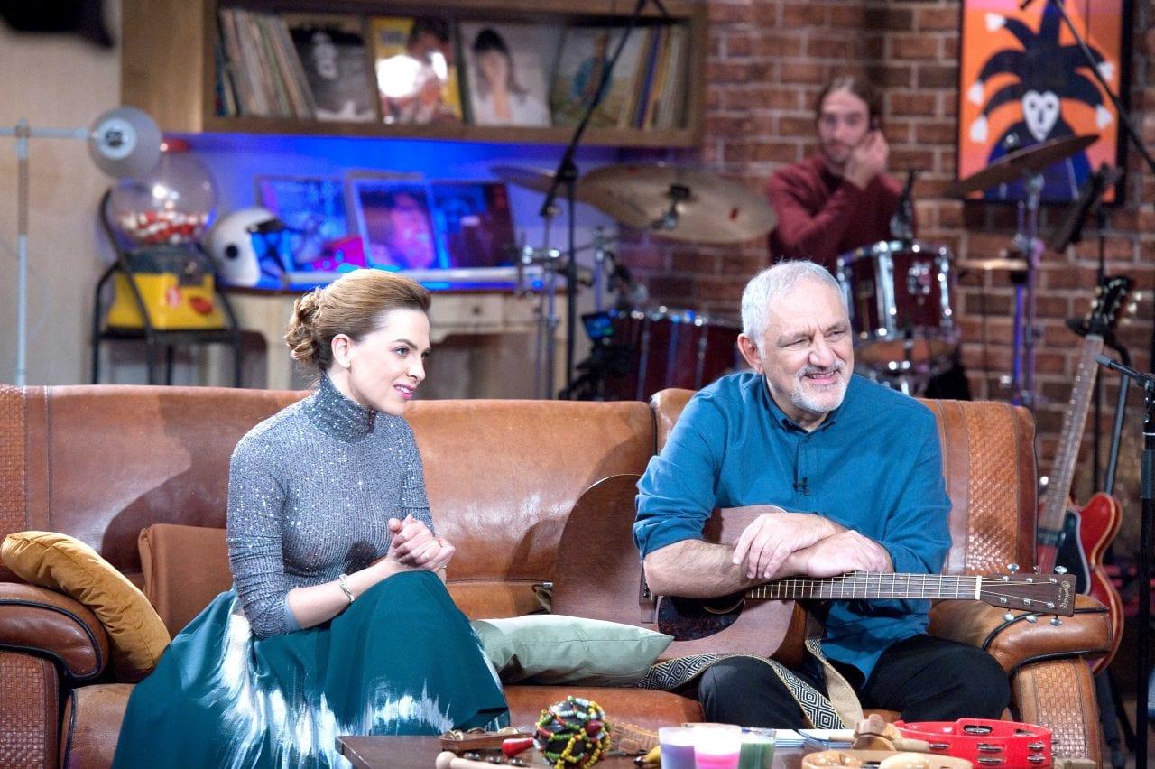 Μουσικό κουτι Πορτοκάλογλου και Μόρφη από το ψυχαγωγικό πρόγραμμα της ΕΡΤ που έχει αναλαβει ο Νίνος Ελματζιόγλου