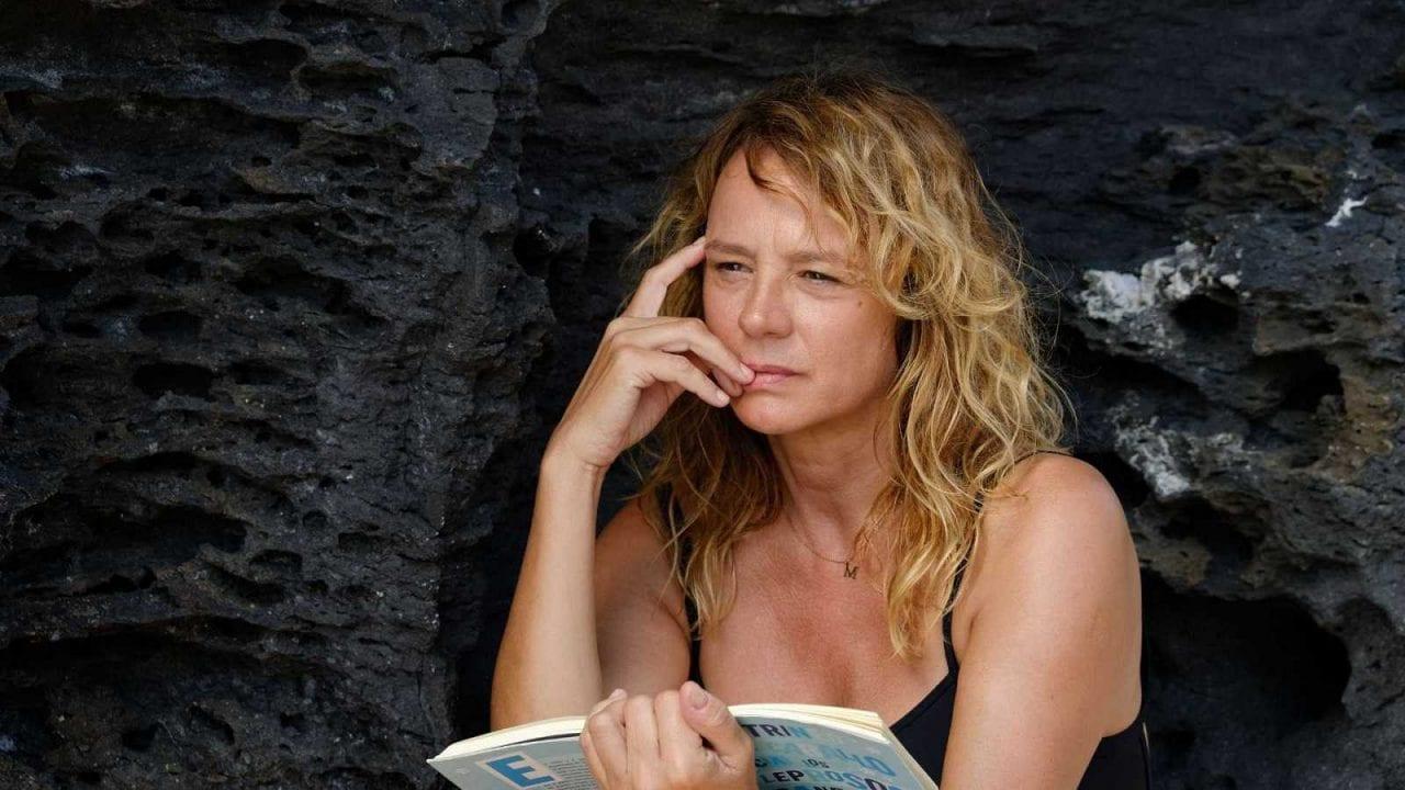 Έμα Σουάρεζ στην ταινία Παράθυρο στη Θάλασσα COSMOTE TV