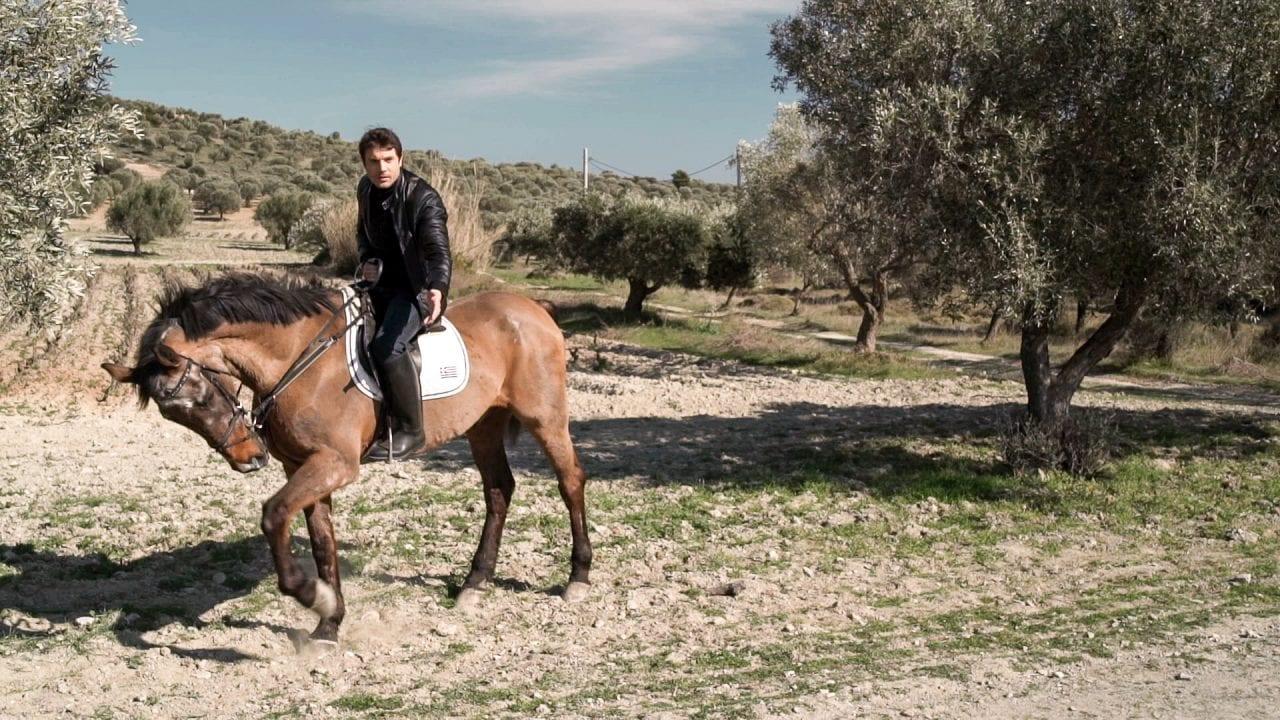 μανωλάκης άλογο