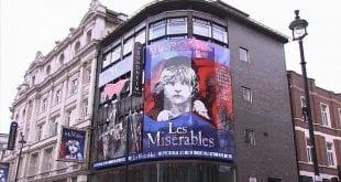 Μεγάλη Βρετανία ανοίγουν σταδιακά τα θέατρα