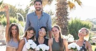 σε φωτογραφία ο Βασιλάκος και τα κορίτσια μετά τις αιτήσεις του the Bachelor 2