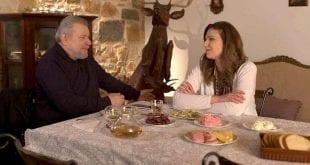 Xαιρέτα μου τον Πλάτανο: Ποια ηθοποιός μπαίνει στη σειρά ως παπαδιά