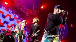 Στιγμιότυπο από την συναυλία των Red Hot Chili Peppers στην Ελλάδα