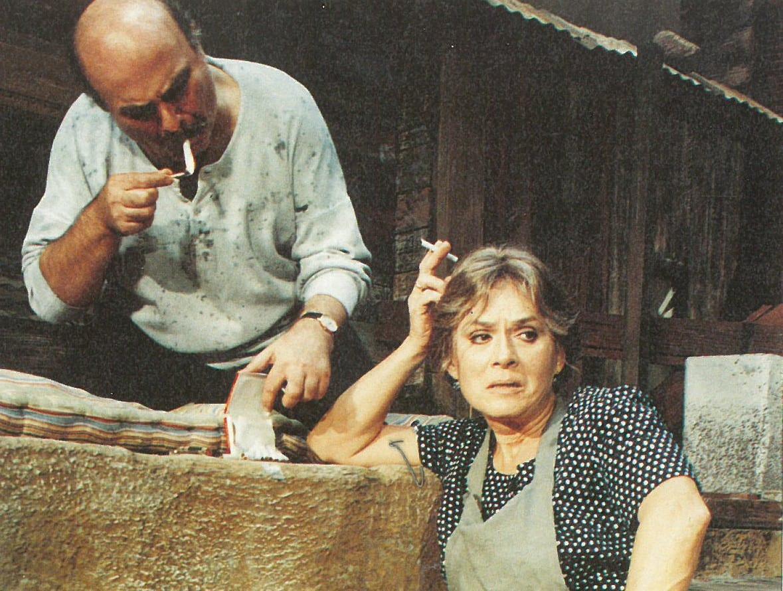 Η Μάρθα Βούρτση σε σκηνή από το έργο Η Αυλή των Θαυμάτων που έρχεται σε on demand προβολές