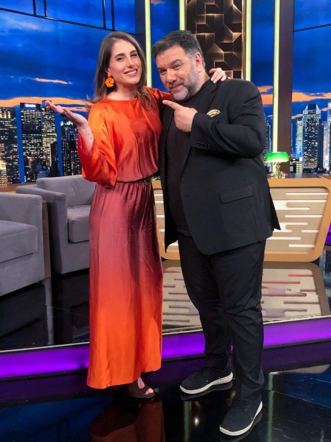 στο The 2Night Show ο Δημήτρης Λάλος, η Παυλίνα Βουλγαράκη μιλούν με τον Γρηγόρη Αρναούτογλου