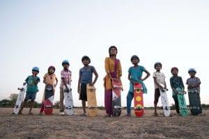 στιγμιότυπο από την ινδική παραγωγή Skater Girls