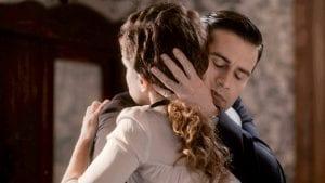 Ασημίνα και Νικηφόρος αγκαλιά
